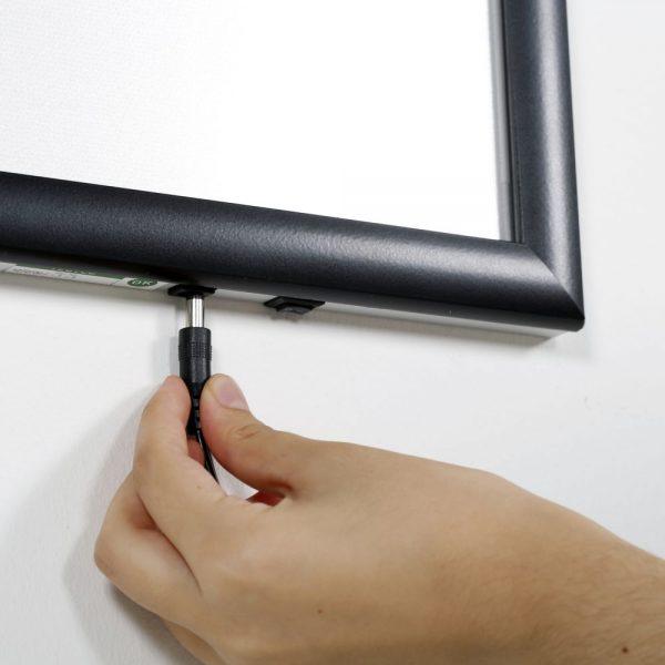 22w-x-28h-smart-poster-led-lightbox-1-black-aluminium-profile (6)