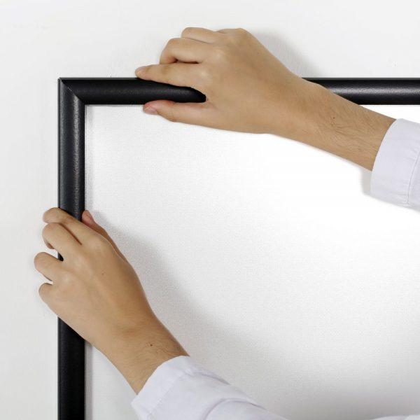 22w-x-28h-smart-poster-led-lightbox-1-black-aluminium-profile (8)