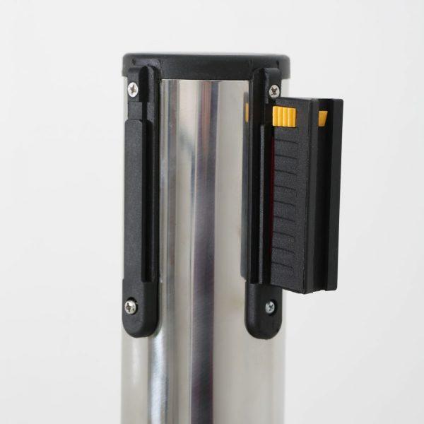 q-belt-chrome-with-118-blue-retractable-belt (3)