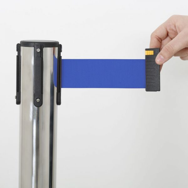 q-belt-chrome-with-118-blue-retractable-belt (4)