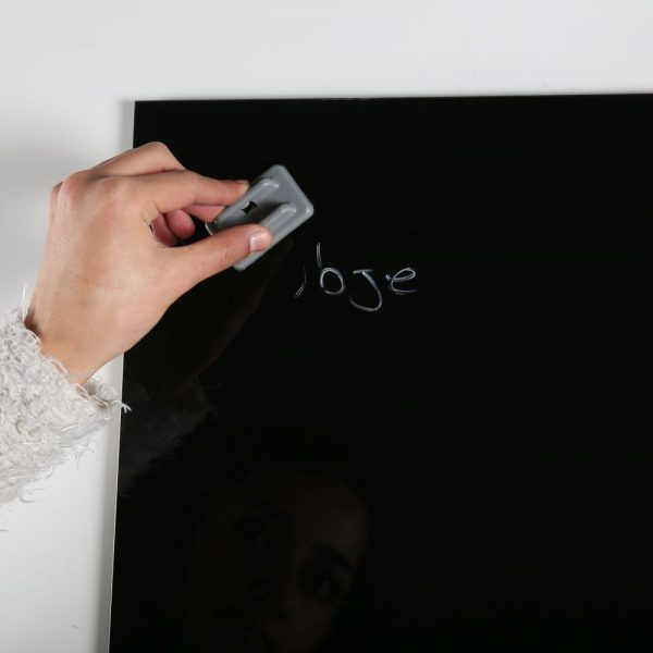 magnetic-glass-board-black-13-78-x-13-78-with-a-pen-4-magnetic-pins (12)