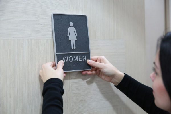 chrome-framed-braille-sign-female (2)