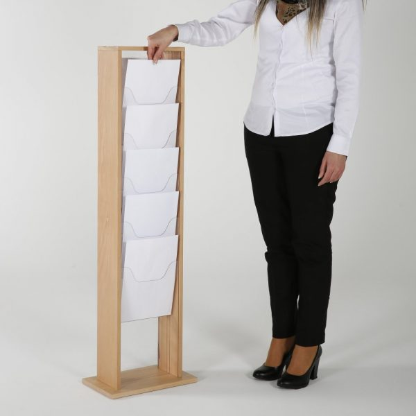 10xa4-wood-magazine-rack-natural-standing (5)