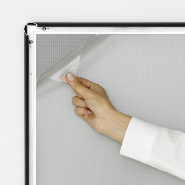 16x20-snap-poster-frame-1-inch-black-profile-mitred-corner (3)