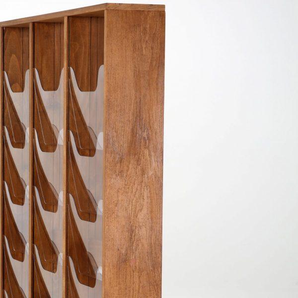 30xa4-wood-magazine-rack-dark-standing (6)