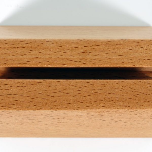 826-desktop-card-holder-pyramid-natural (7)